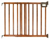 Summer Infant Stylish and Secure Deluxe Wood Stairway Gate